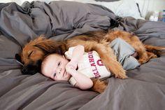 25 fotografías que demuestran que todos los niños deberían crecer con animales