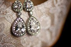 Lovely vintage earrings.
