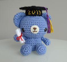 Graduation Teddy Crochet Pattern - SWEET! - CROCHET - easy - FREE PATTERN