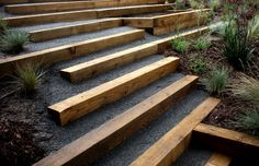 How To Build A Stable Pea Gravel Path wood and dg or gravel Sloped Backyard, Sloped Garden, Outdoor Wood Steps, Landscape Stairs, Landscape Timbers, Diy Exterior, Garden Stairs, Backyard Makeover, Hillside Landscaping