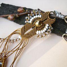 Micro macrame collar, colgante - elegante blanco oro