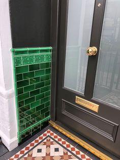 Victorian Fireplace Tiles, Victorian Tiles, Victorian Terrace, Terrace House Exterior, Dream House Exterior, Tiled Hallway, Front Hallway, Porch Wall Tiles, Terrace Tiles