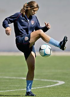 Tobin Heath is amazing. Not one that everyone knows or notices but she's someone I am inspired by!!