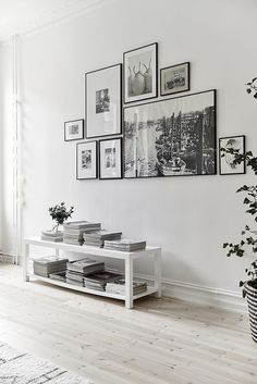 Home Design Ideas: Home Decorating Ideas Modern Home Decorating Ideas Modern Black and white gallery wall for a white on white interior. Adding some color wi. Home And Living, Home And Family, Small Living, Family Room, Usa Living, Inspiration Wand, Inspiration Boards, Living Room Decor, Living Spaces