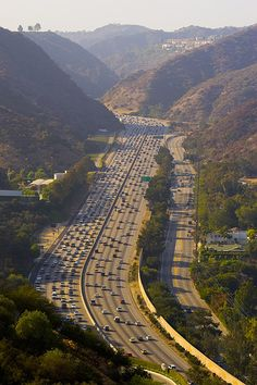 the Sepulveda Pass, Santa Monica Mountains. Los Angeles, California. via flickr