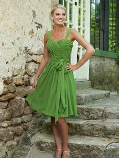 A-line/Princess Sleeveless Straps Knee-length Chiffon Bridesmaid Dress Canada