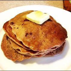 saturday morning healthy blueberry banana pancakes