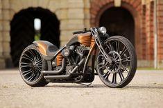 Thunderbike Production-R custombike with Harley-Davidson Screamin Eagle engine