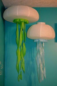 Deko für Kinderzimmer mit Meeresthema - Quallen aus Papierlampen