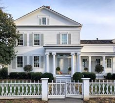 Abandoned Houses, Old Houses, Greek Revival Home, American Farmhouse, American Houses, Outdoor Spaces, Outdoor Decor, White Houses, Historic Homes