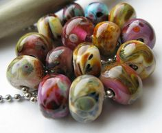 Ellen Dooley's blog with many lampworking links