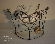 Butterfly crown. Couronne fil de fer et papillon papier. Trois fois rien