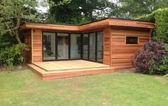 L Shape Contemporary Garden Room - Garden Shed Backyard Office, Backyard Studio, Garden Studio, Garden Office Uk, Garden Gym Ideas, Summer House Garden, Outdoor Office, Backyard House, Container Home Designs