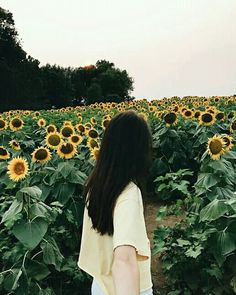 Lấy = Fllowing me Not me Mode Ulzzang, Ulzzang Korean Girl, Cute Korean Girl, Ulzzang Couple, Aesthetic Photo, Aesthetic Girl, Girl Pictures, Girl Photos, Sunflower Wallpaper
