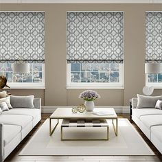 Fantastic Totally Free classic Roman Blinds Ideas Roman blinds are a favorite favourite among conscious homeowners as they give a stylish, stylish and affordable solution Classic Roman Blinds, White Roman Blinds, Living Room Blinds, Window Treatments Living Room, Living Rooms, Blue Roller Blinds, Patterned Blinds, Store Bateau, Shades Blinds