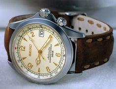 Seiko SARB013 Alpinist Field Watches, Big Watches, Luxury Watches, Cool Watches, Watches For Men, Seiko Alpinist, Seiko Sarb, Seiko Watches, Analog Watches