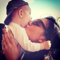 Photo de Daniela Ruah  & son fils  River Isaac Ruah Olsen