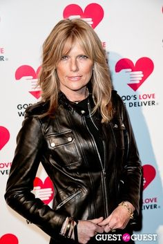 Patti Hansen, model and hair and makeup icon. I think she got better looking after her supermodel days ended. Patti Hansen, Hair Day, New Hair, Your Hair, Great Hairstyles, Modern Hairstyles, Makati, Hair Looks, Hair Inspiration