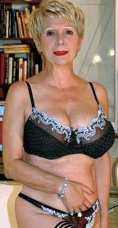 Old lady gorgeous naked