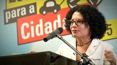 """Este é """"Palestra Viviane Mosé  Lanç Estrada para a Cidadania 2015"""" por quitandadigital no Vimeo, o lar dos vídeos de alta qualidade…"""