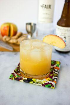 Ginger Apple Kombucha Cocktail // @tastyyummies // www.tasty-yummies.com