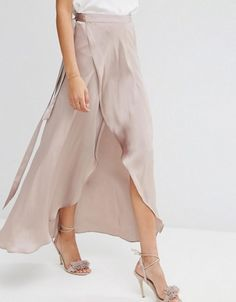Browse online for the newest ASOS Maxi Wrap Skirt in Satin styles. Shop easier with ASOS' multiple payments and return options (Ts&Cs apply). Style Casual, Casual Chic, Maxis, Dance Outfits, Skirt Outfits, Ballet Wrap Skirt, Maxi Wrap Skirt, Skirt Fashion, Fashion Outfits