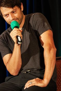 Misha Collins- I can't stop staring at his arms Castiel, Supernatural Cast, Misha Collins, Sam Y Dean Winchester, Dmitri Tippens Krushnic, Jensen And Misha, American Actors, I Love Him, Pretty People