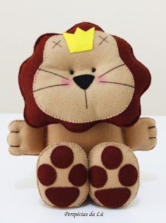 Leão em feltro.