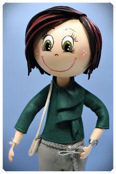 Fofucha personalizada con blusa, bolso, reloj...  http://www.xeitosas.com/