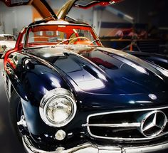 Gorgeous car - Mercedes-Benz 300 SL Gullwing