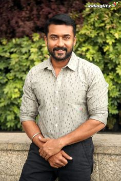 Surya Actor, Powerpoint Background Design, Indian Star, Actor Photo, Tamil Movies, Tamil Actress, Men Casual, Hero, Actresses