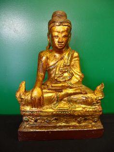 Sitting Mandalay Buddha. Burma. 19th Cent.