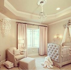 Afbeelding via We Heart It #baby #babygirl #chandelier #crib #fashion #home #inspiration #kids #kidsroom #nursery #pastel #room #roomdecor #housedecor