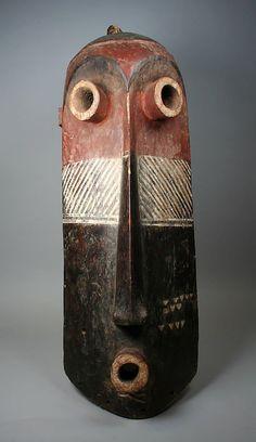 Mask (Pumbu) Democratic Republic of the Congo Culture: Pende peoples Medium: Wood, pigments Dimensions: H. Portrait Sculpture, Art Sculpture, Afrique Art, African Sculptures, Art Premier, Head Mask, Masks Art, African Masks, Beautiful Mask