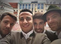 Bernat, Thiago, Martínez and Alonso