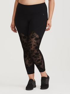 Shop the latest women's plus size workout clothes, active, athletic wear, & yoga clothes at Torrid! Find cute exercise clothes designed to fit your curves at the gym. Plus Size Athletic Wear, Athletic Outfits, Athletic Gear, Plus Size Workout, Mesh Leggings, 4 Way Stretch Fabric, Plus Size Activewear, Workout Leggings, Look Cool