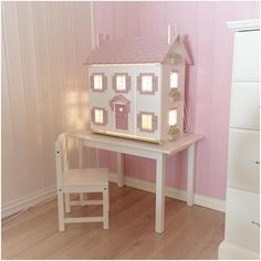 Lys i dukkehuset / Lights in the Le Toy Van dollhouse / Interior, girl's room by husetpaadrengsrud on Instagram