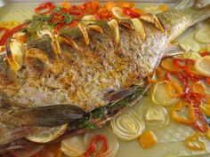Romanian Food, Romanian Recipes, Fish And Seafood, Junk Food, Fish Recipes, Carne, Food And Drink, Tasty, Beef