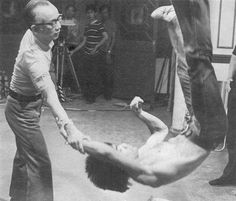 Bruce Lee Photos, Kung Fu, Bob Marley, Eminem, Karate Movies, Bruce Lee Games, Marshal Arts, Game Of Death, Hand To Hand Combat