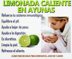 Beneficios de tomar agua caliente con limon por las mañanas