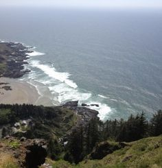 Cape Perpetua Scenic Area, Oregon Coast--great place for beach combing, whale watching, and hiking Oregon Coast Hikes, Oregon Usa, Central Oregon, Great Places, Beautiful Places, Beautiful Pictures, Oregon Travel, Whale Watching, Pacific Ocean