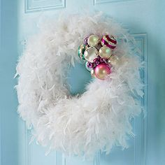 Feather Wreath - Pin three feather boas around a wreath form. Wire together a group of ornaments and fasten around one section of the wreath. Festive Crafts, Easy Christmas Crafts, Pink Christmas, Christmas Decorations, Christmas Ornaments, Christmas Urns, Wire Ornaments, Feather Wreath, Feather Crafts
