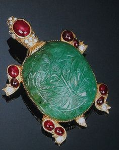 Cartier Paris Carved Emerald Turtle Pin by Clive Kandel, via Flickr