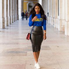 Taking it casual with the weather skirt Black Girl Fashion, Look Fashion, Autumn Fashion, Fashion Outfits, Woman Fashion, Fashion Details, Classy Outfits, Stylish Outfits, Fall Outfits