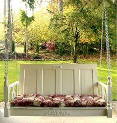 Zimmertüren abgenutzt möbel holz schaukel grün --- Old room doors reuse - DIY wooden furniture