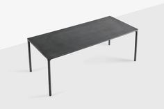 The Boiacca table has been produced by the creative partnership LucidiPevere and with its cement finish it stands out for its material. Typically used for modern architecture, it has been taken to the limit and the result is an incredibly unique piece that catches the eye and offers a sharp and clean form.