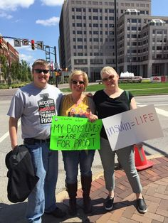 Diabetes Advocates Protest At Eli Lilly About Insulin Prices.  #Diabetes #Advocates #Protest #at #Eli #Lilly #About #Insulin #Prices