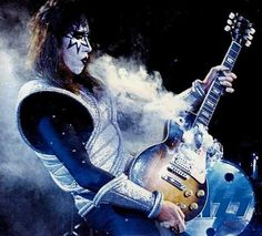kiss love gun tour | Ace Tearing It Up; Love Gun Tour 1977/78 | KISS 'n' Makeup…