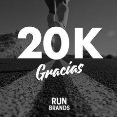 """Plus de motivación para seguir informando de productos que os ayuden a superar vuestros retos. Plus de motivación para seguir descubriendo imágenes espectaculares de nuestros """"runners of the week"""". Soys nuestra motivación. 20.000 GRACIAS!   SORTEO ESPECIAL 20K by runbrands_es"""