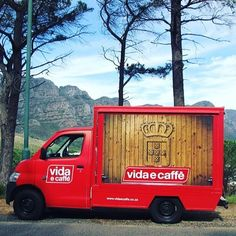 Know of a cool festival, sports event or concert that you would like to see the vida van at in 2016? Mail us on miket@caffe.co.za with your suggestions ☕️ #vidaecaffe #vidavan